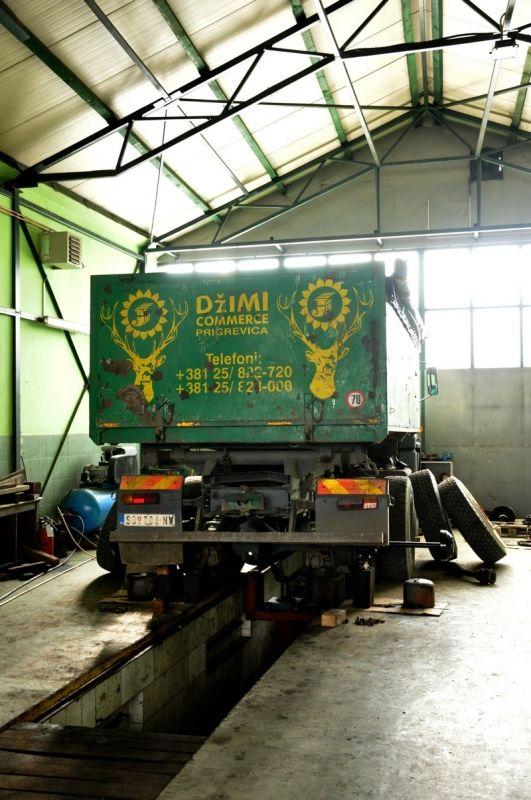 Servis i popravka kamiona